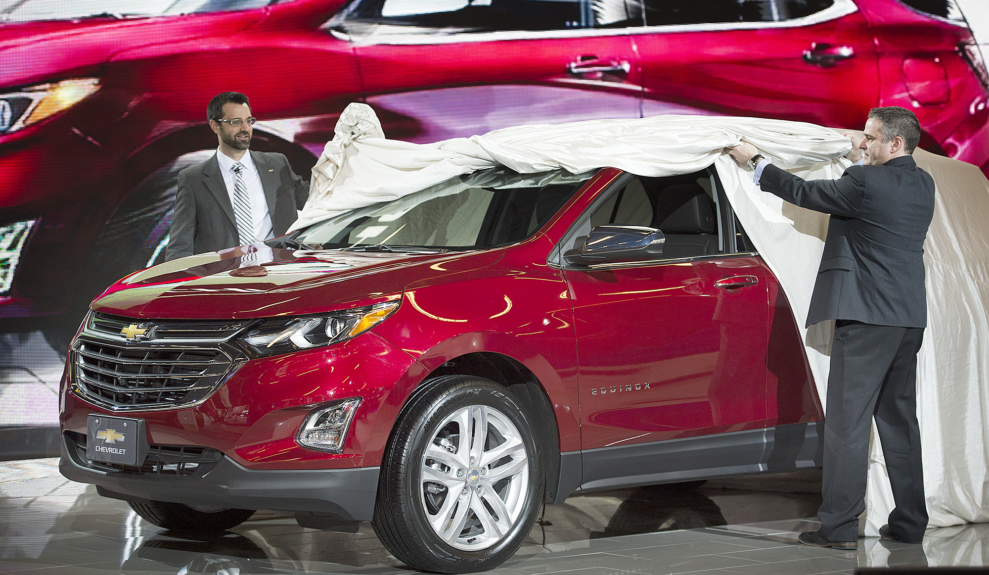 Next generation 2018 chevrolet equinox makes canadian debut at montreal international auto show